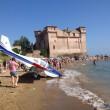 VIDEO YouTube - Santa Severa, ultraleggero cade in mare davanti ai turisti 02