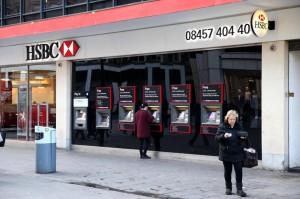 Hsbc, 25mila licenziati per risparmiare 5mld $ dopo accuse frode fiscale
