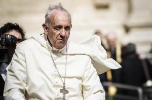 Papa Francesco vuole masticare foglie di coca durante visita in Bolivia
