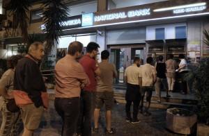 Grecia, Parlamento approva referendum su euro chiesto da Tsipras