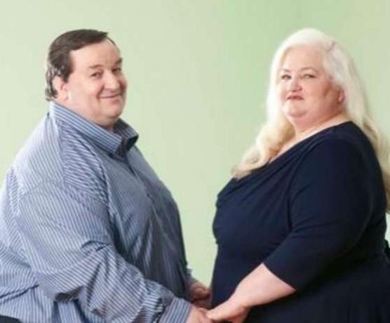 Coppia troppo grassa per fare sesso: in due quasi 400 kg FOTO