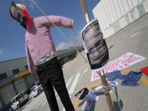 """Pomigliano, inscenarono suicidio pupazzo Marchionne: """"Licenziamento legittimo"""""""