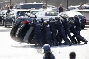 Parigi: fermati De Saint-Phalle e Gore-Coty, capi dei tassisti anti UberPop
