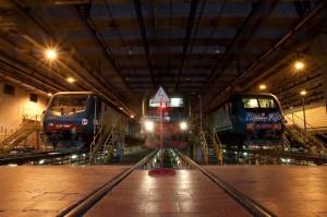 Milano: capotreno e macchinista aggrediti con machete da passeggeri senza biglietto
