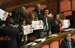"""Video YouTube - Riforma scuola, Lega: """"Vasellina che Renzi dà agli studenti"""""""
