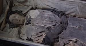 VIDEO YouTube - Vescovo Peder Winstrup, mummia con feto nella tomba