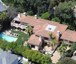 Miley Cyrus vende la villa di famiglia per 6 milioni di dollari FOTO