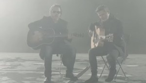 "VIDEO YouTube - Zucchero-Alejandro Sanz, duetto in ""Un zombie a la intemperie"""