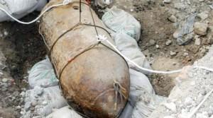 Ambientalisti puliscono fondale e trovano bomba a Trani