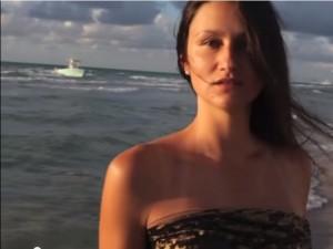 VIDEO YouTube. Miami, clandestini arrivano da mare: servizio fotografico interotto