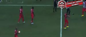 Video YouTube, tifosi messicani lanciano birre ai calciatori di Panama