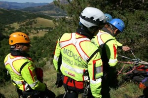 Incidenti montagna: escursionista morto in provincia di Lecco, malore e caduta