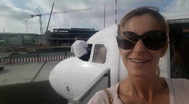 """Adriana Volpe su Twitter: """"Comandante Easyjet pulisce finestrino, aiuto"""". I problemi di Fiumicino..."""