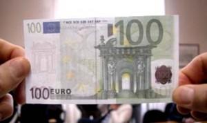 Napoli. Spaccio banconote false, giudice Tar De Bernardi fra i 28 indagati