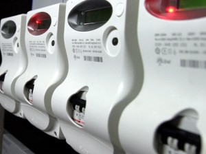 Bolletta elettricità: chi consuma meno pagherà di più, chi consuma più risparmia