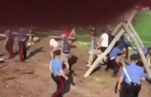 VIDEO YouTube - Rissa tra tifosi del Bologna e dello Spezia prima dell'amichevole, feriti
