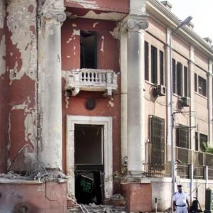 Egitto, attentato al consolato italiano un avvertimento all'Italia