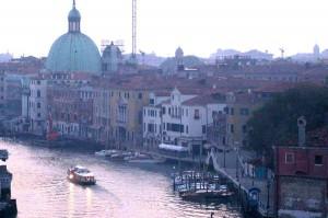 Venezia. Cadavere trovato in Canal Grande: aveva una dentiera in mano
