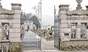 Calolziocorte, furti di rame al cimitero: razziate tombe di due bimbi