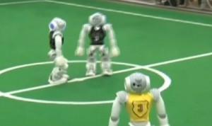 VIDEO - Robot si sfidano a calcio in Cina: oltre 300 squadre in gara