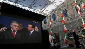 Berlusconi e Dell'Utri fra i senatori condannati privati del vitalizio