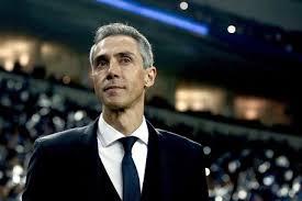 L'allenatore della Fiorentina Paulo Sousa