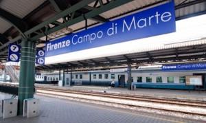 Firenze, si rompe cavo e scoppia incendio: treni in ritardo in tutta Italia, fino a 120 minuti