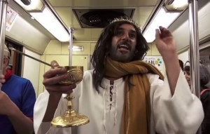 """Video Youtube - Gesù """"supercivico"""": il finto Cristo che fa miracoli (di educazione)"""