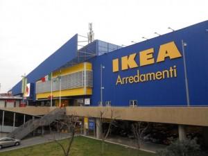 Sciopero Ikea: a Casalecchio di Reno (Bologna) cominciano dal giorno prima