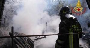 Caserta: brucia un bosco per farsi arruolare dalla protezione civile