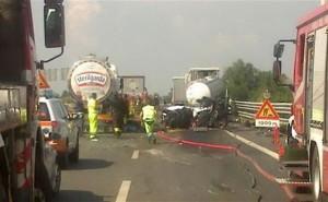 Incidente A21 a Cremona Nord direzione Brescia: 2 morti e 4 feriti