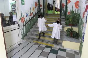Schiaffi ai bimbi dell'asilo: insegnante sospesa e punita con obbligo di dimora