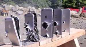 VIDEO YouTube. Quanti iPhone servono per fermare un colpo di kalashnikov?