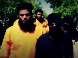 Vendetta anti-Isis, militari con tuta arancione fucilano jihadisti vestiti di nero
