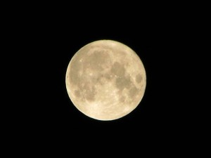 """""""Luna blu"""", la notte del 31 seconda luna piena di luglio"""