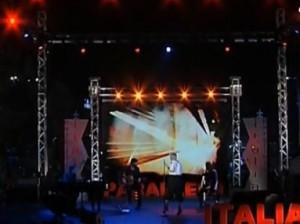 VIDEO YouTube - Bottiglia contro Malika Ayane a Napoli: lei abbandona palco