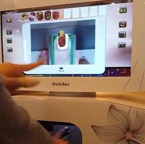 Nail art, manicure in pochi secondi con la macchina di Hong Duong Le VIDEO