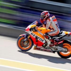 MotoGp, Sachsenring-Gp Germania: griglia di partenza. Marquez pole, Rossi sesto