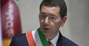 """Ignazio Marino, nuova lettera minacce con proiettile """"mafioso"""" e firmata Buzzi-Carminati"""