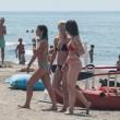MIchelle Hunziker e Aurora in spiaggia a Forte dei Marmi 3
