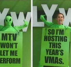 Miley Cyrus condurrà gli Mtv VMA 2015: pronti ad un show esplosivo?