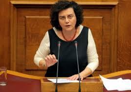 Tsipras perde i pezzi: lascia la viceministra delle Finanze Nadia Valavani