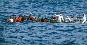 "Migranti, ennesimo naufragio. ""Eravamo in 120 su 3 gommoni, uno si è sgonfiato""Migranti, ennesimo naufragio. ""Eravamo in 120 su 3 gommoni, uno si è sgonfiato"""