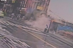 New York: palazzo collassa improvvisamente a Brooklyn: 3 feriti