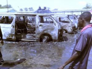 Nigeria, donne kamikaze si fanno esplodere durante preghiera: 12 morti