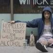 elemosina a New York, l'esperimento: drogato le riceve, padre di famiglia no