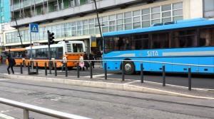 Padova, autista bus migranti fa sosta in stazione: scappano in 27