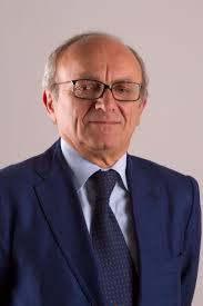 Pasquale Piccolo, sindaco di Somma Vesuviana, aggredito da un senzatetto