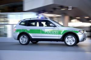 Germania: spara dalla macchina fuga e uccide una donna e un ciclista: preso