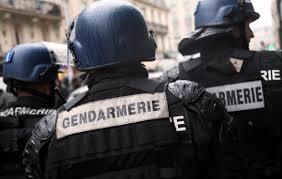 Parigi, 10 commessi di Primark presi in ostaggio da uomini armati